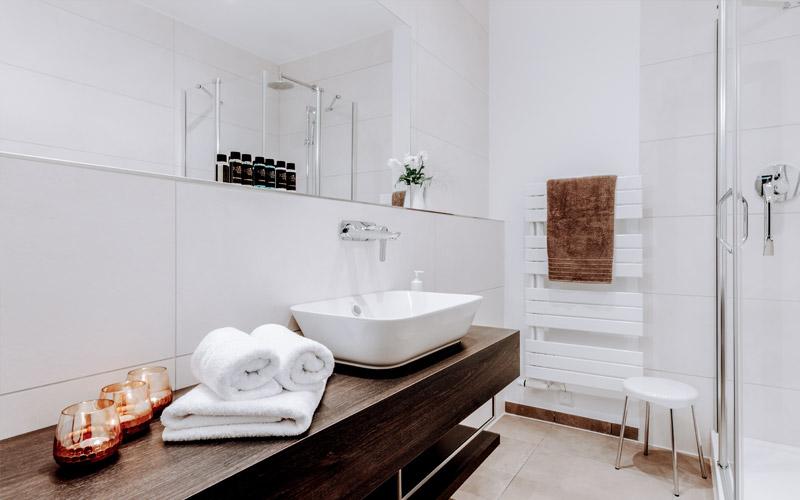 Kaiserhof Victoria - Doppelzimmer & Einzelzimmer Deluxe
